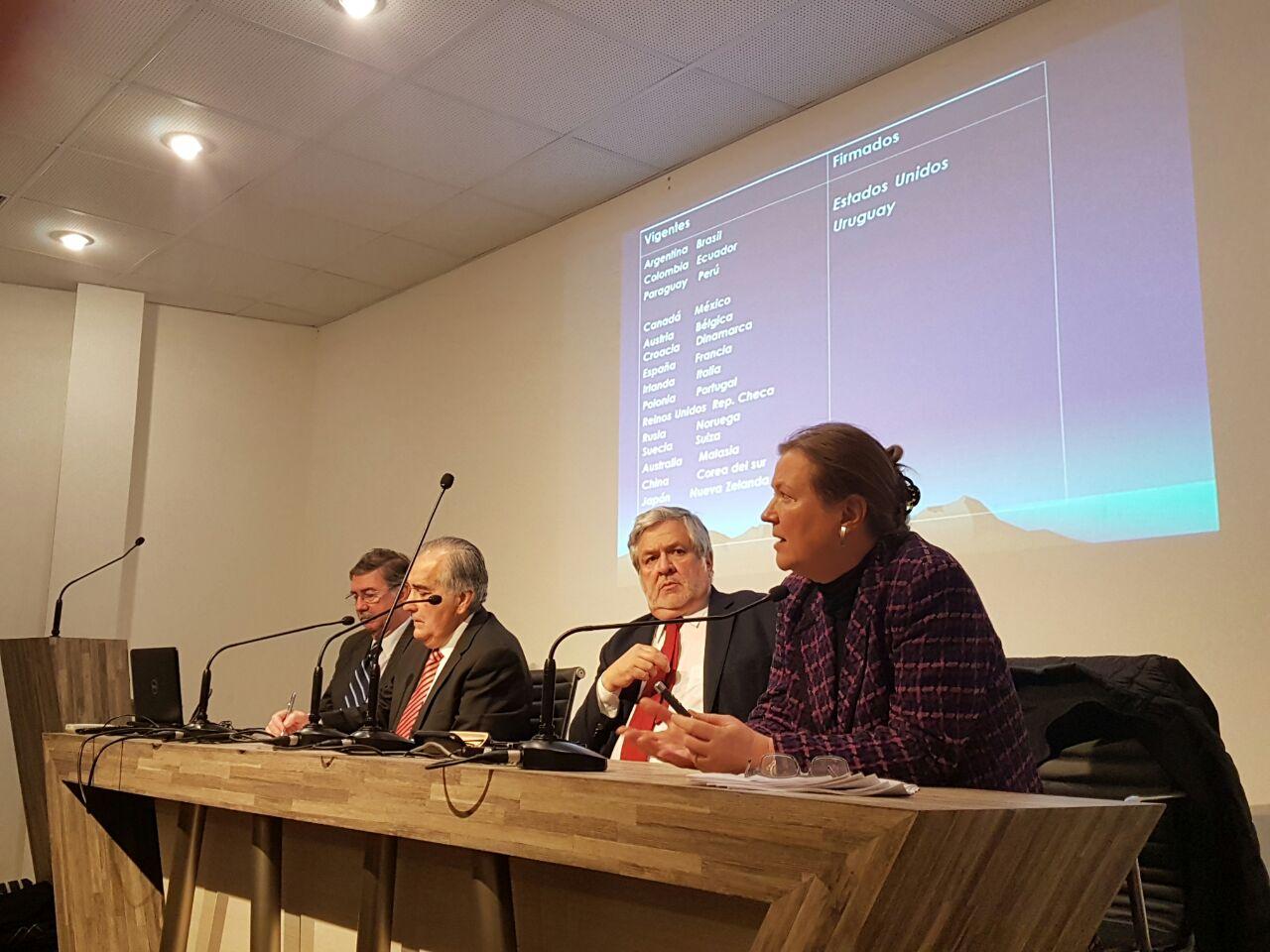 """Seminario """"Chile y los Acuerdos de Exención a la Doble Tributación"""""""