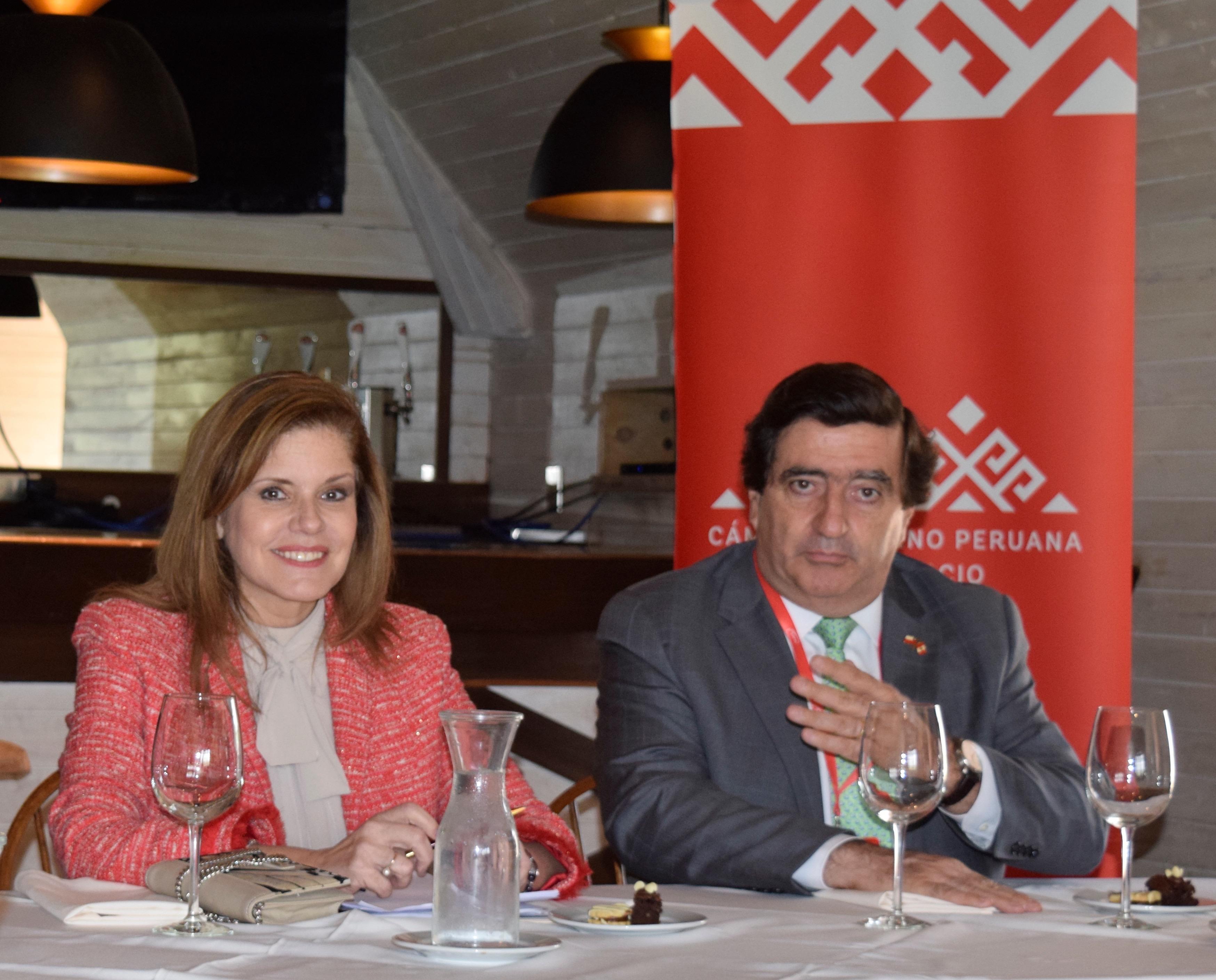 Visita de Presidenta del Consejo de Ministros del Perú y reunión con socios de la Cámara Chileno Peruana de Comercio